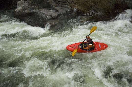 Becca Ward on the last main rapid on the Moyen Tarn