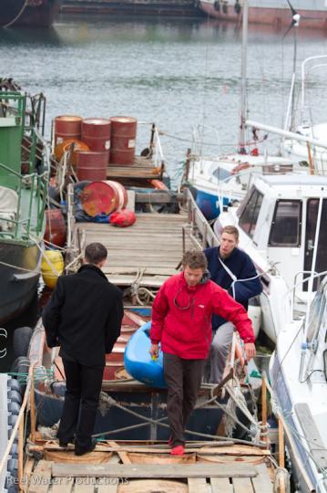 unloading-the-sailboat