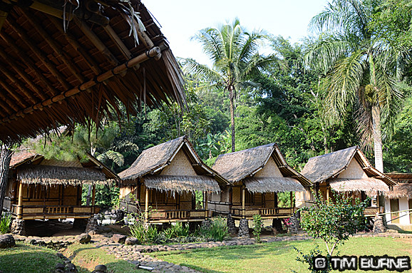 Arus Liar's Island huts