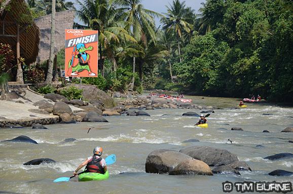 The Citarik River, Arus Liar