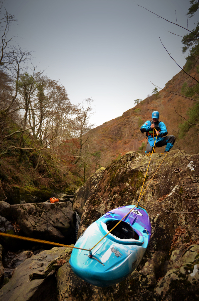 Canyon Crossing exercise on the Glaslyn (pic: Dave Burne)